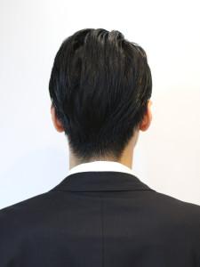 aaaaaaaaaaaaaaaIMG_7141「サイドは2ブロックでメリハリをつけ、全体はジェルで毛流れをつくる事でちょっぴり個性のある大人ビジネススタイルに」